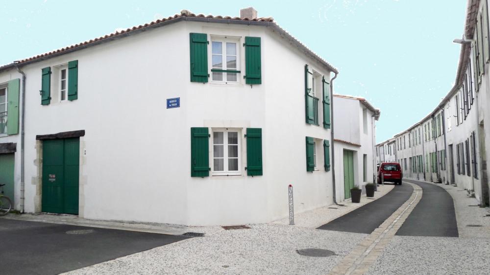 Jolie maison de village rénovée, entre centre du village et  plage du Petit Sergent.
