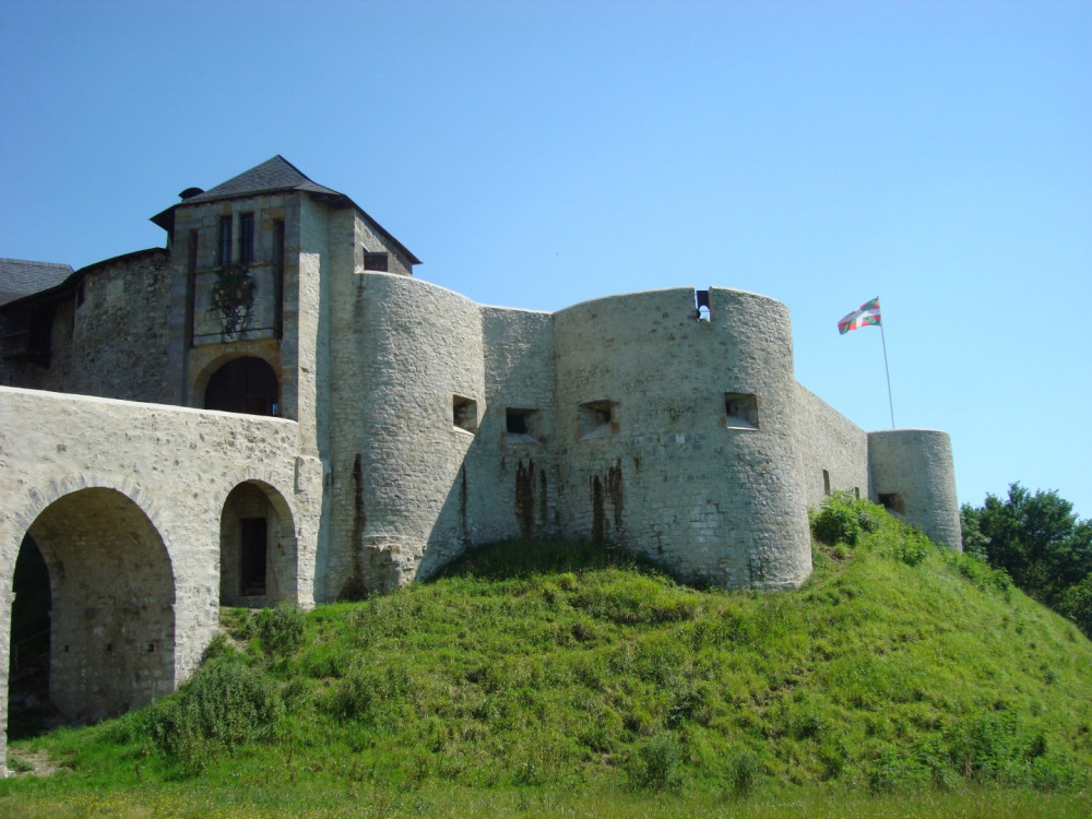 Ferme rénovée au Pays Basque, environnement calme