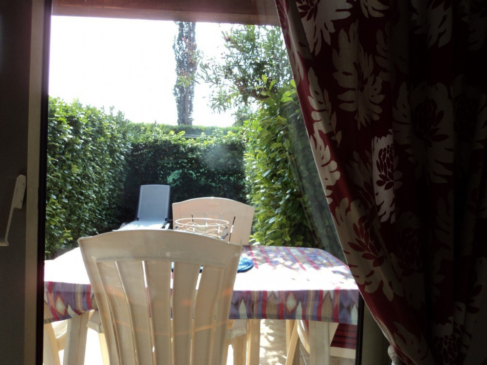 Rez de jardin + terrasse indép.