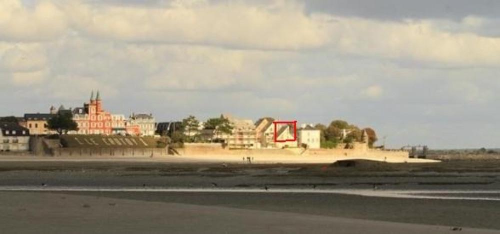 la situation de la résidence: entre le port et les Tourelles, sans route deva...