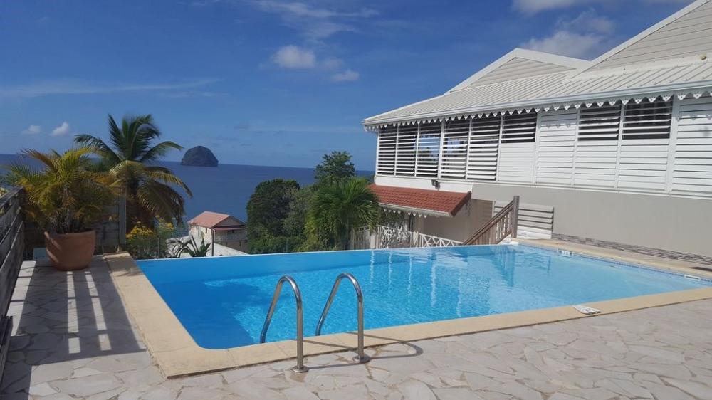 VILLA DE STANDING avec vue panoramique sur la mer des caraibes
