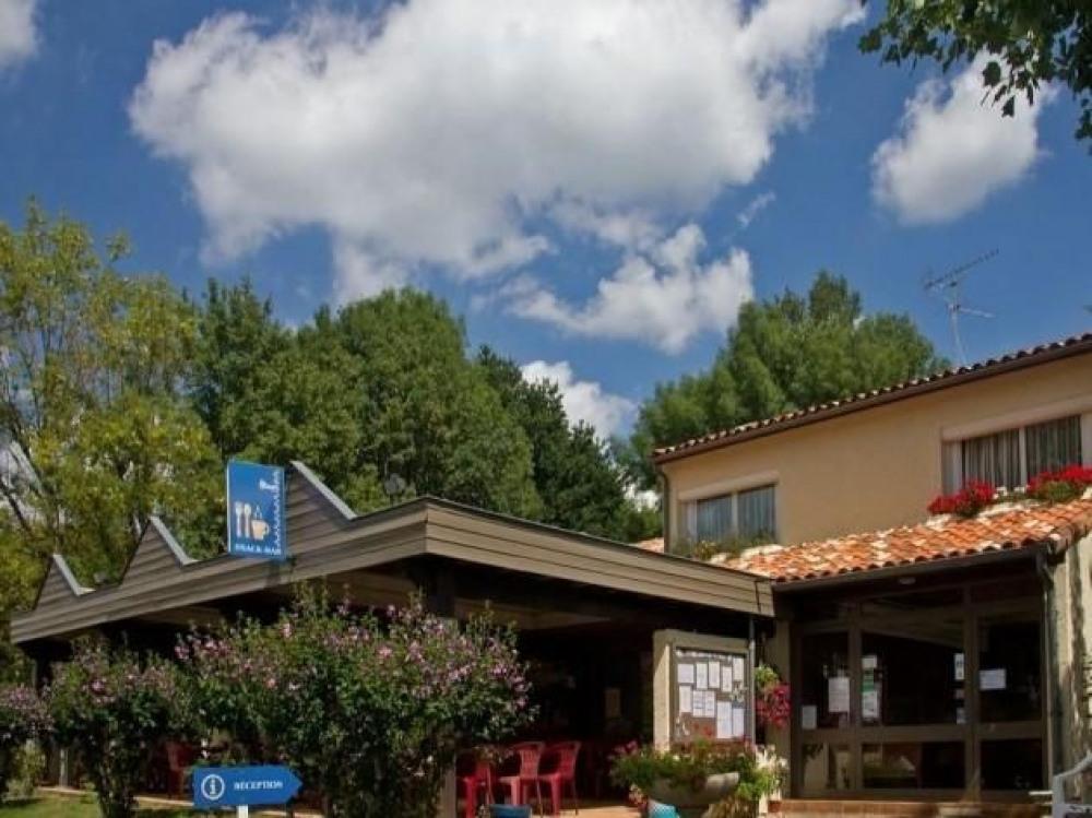 Camping Le Pontet, 99 emplacements, 51 locatifs