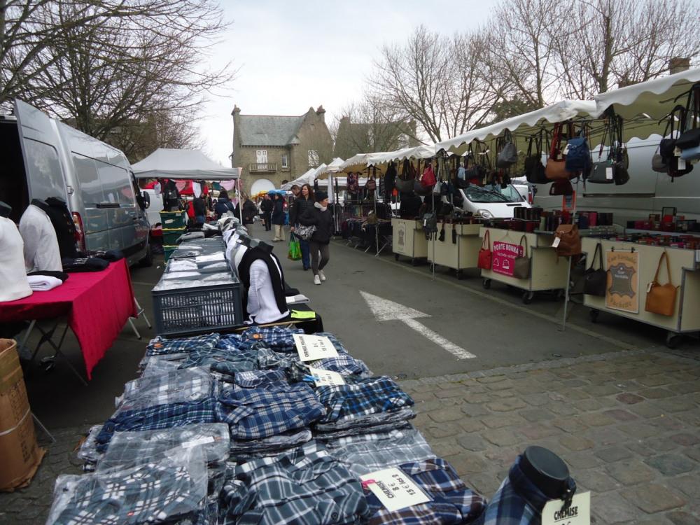 le marché le dimanche matin