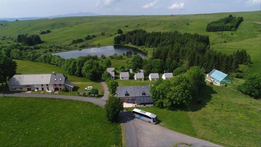 Maisonnette pour 6 pers. avec piscine, Montgreleix