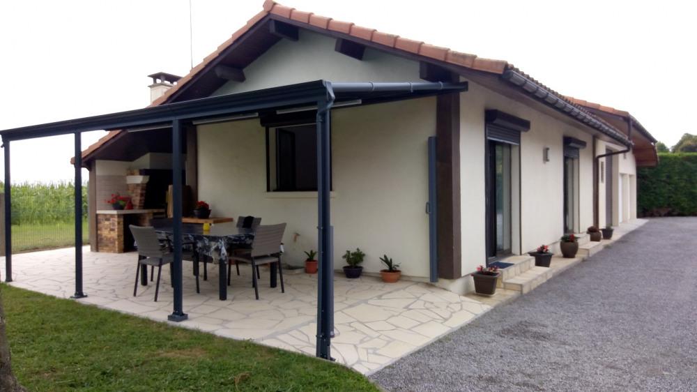 Maison, cour, jardin, terrasse