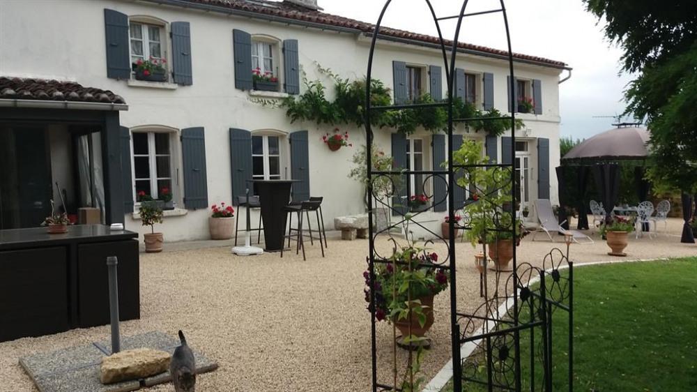 Location vacances Villars-les-Bois -  Gite - 4 personnes - Barbecue - Photo N° 1