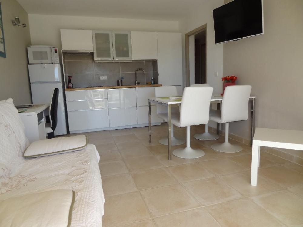 appartement manosque pour 4 personnes 35m2 90562382 seloger vacances. Black Bedroom Furniture Sets. Home Design Ideas