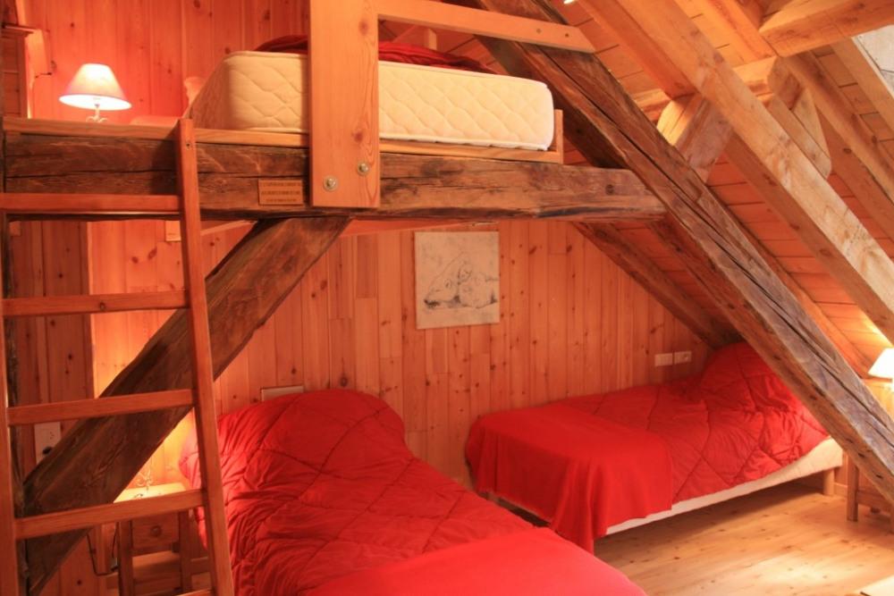 chambre 3 (3 lits en 90x200)