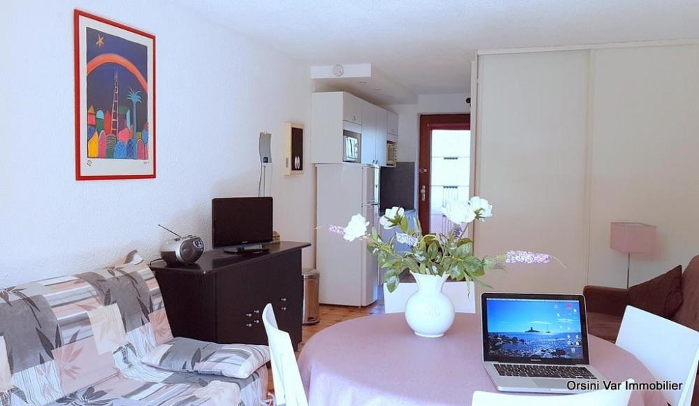 Location vacances Saint-Raphaël -  Appartement - 3 personnes - Salon de jardin - Photo N° 1