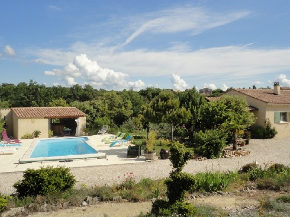 SCI Résidence confort loisirs 3 Gîtes de 2, 4 et 6 p. en Ardèche méridionale - Gras