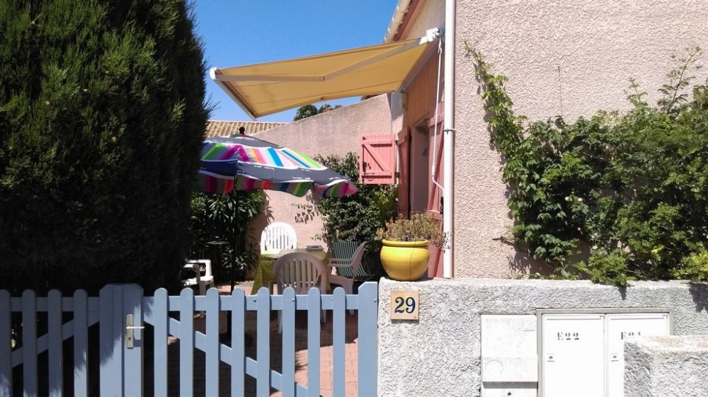 Location vacances Sainte-Marie-la-Mer -  Maison - 6 personnes - Barbecue - Photo N° 1
