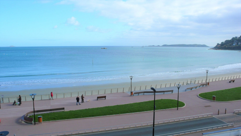 Holiday rentals Perros-Guirec - Apartment - 4 persons - Television - Photo N° 1