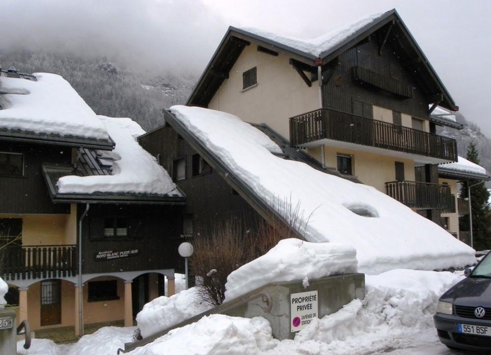 entrée de la résidence en hiver