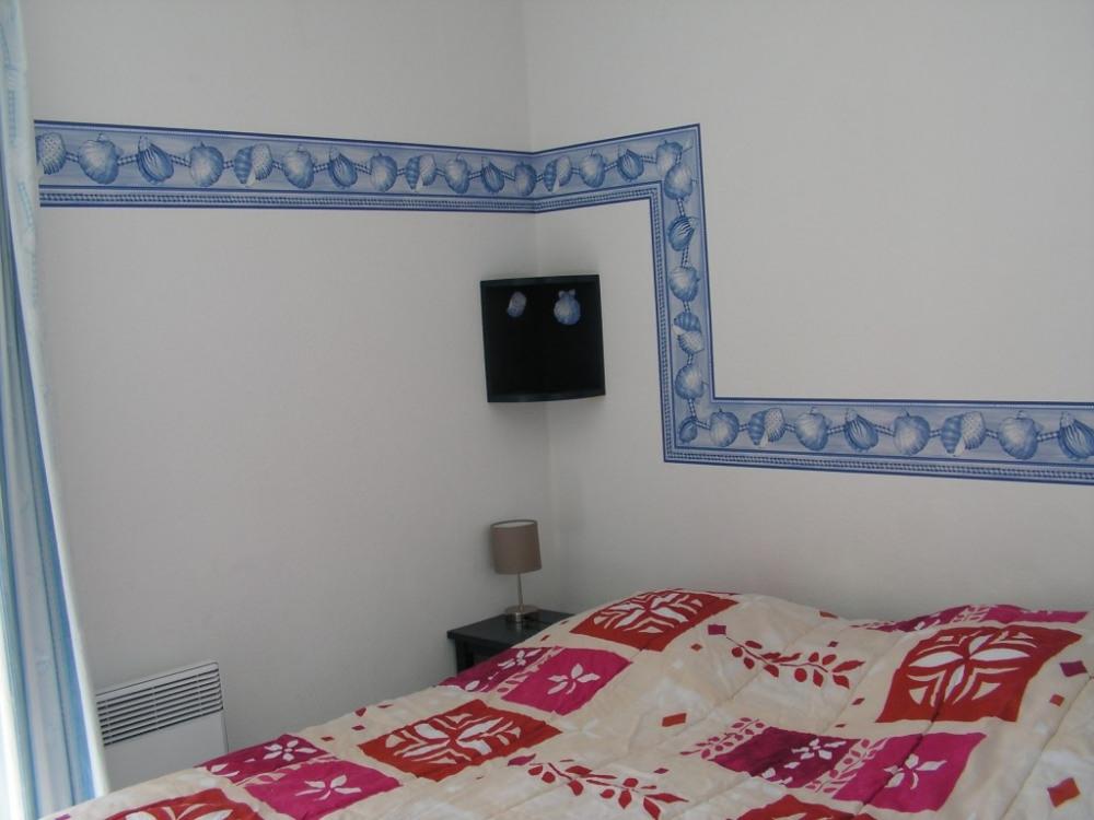 chambre principale avec 1 lit 160 cm