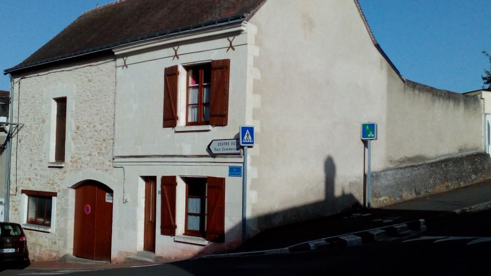 Location vacances Descartes -  Maison - 6 personnes - Barbecue - Photo N° 1