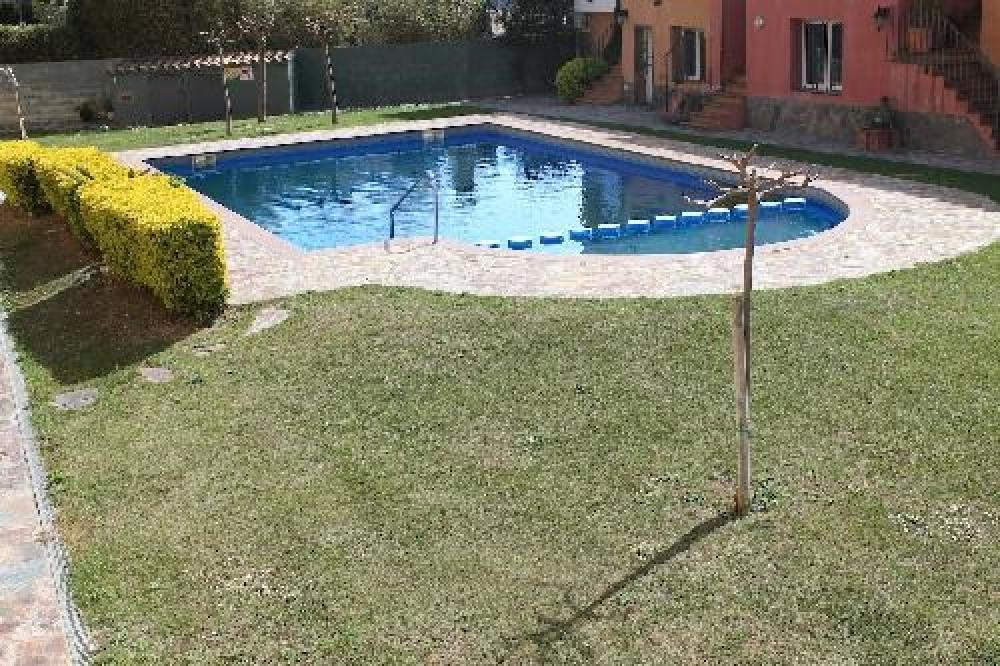 Jolie villa proche de la plage avec  piscine ref 252