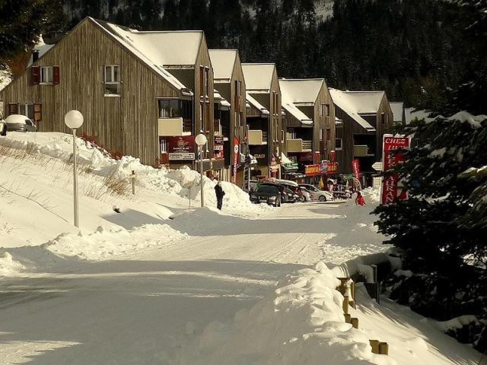 Skis au pieds pour le retour, départ direct par télésiège de Masseboeuf face ...