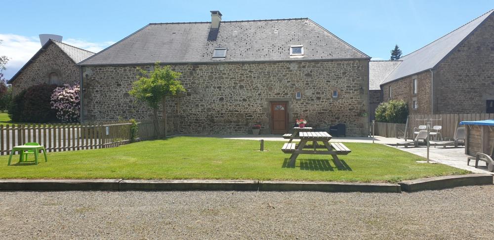 Ferienwohnungen Louvigné-du-Désert - Hütte - 14 Personen - Grill - Foto Nr. 1