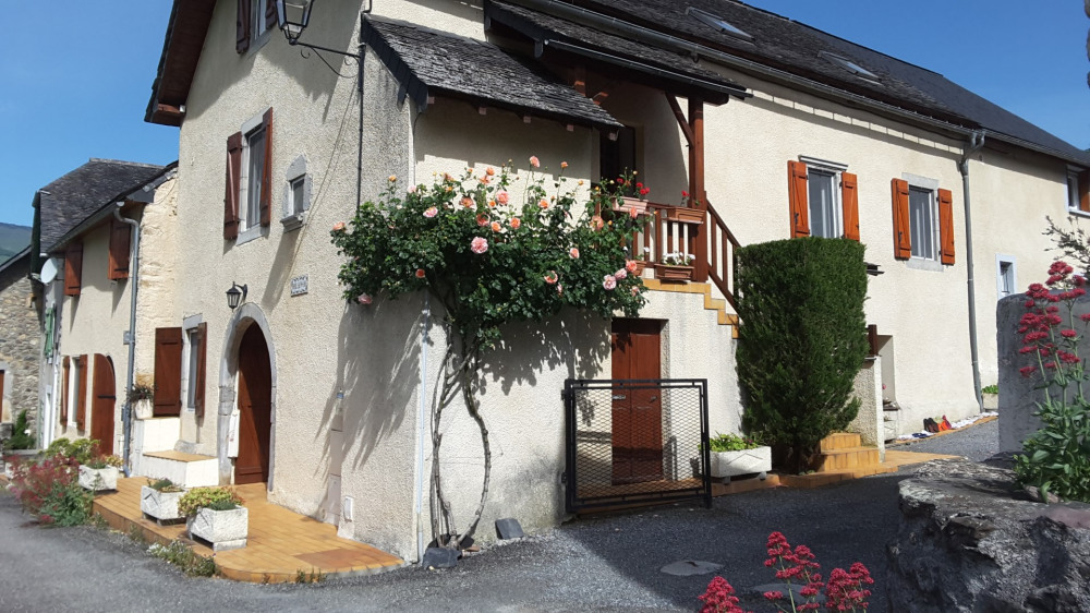 Location vacances Accous -  Appartement - 4 personnes - Jardin - Photo N° 1