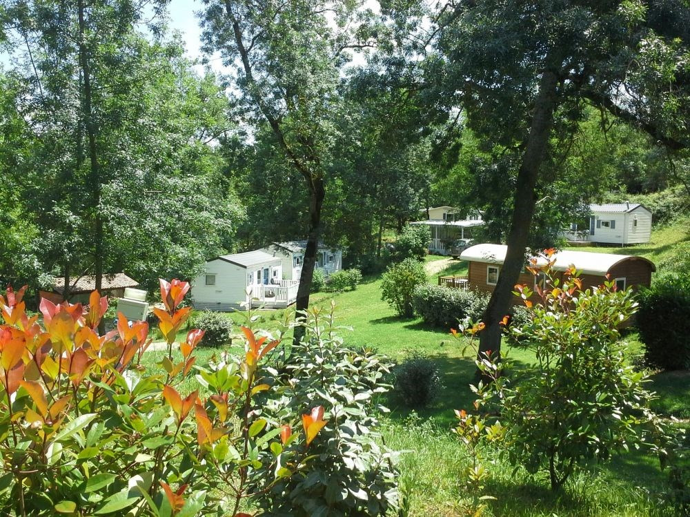 Camping Naturiste Les Aillos, 90 emplacements, 22 locatifs