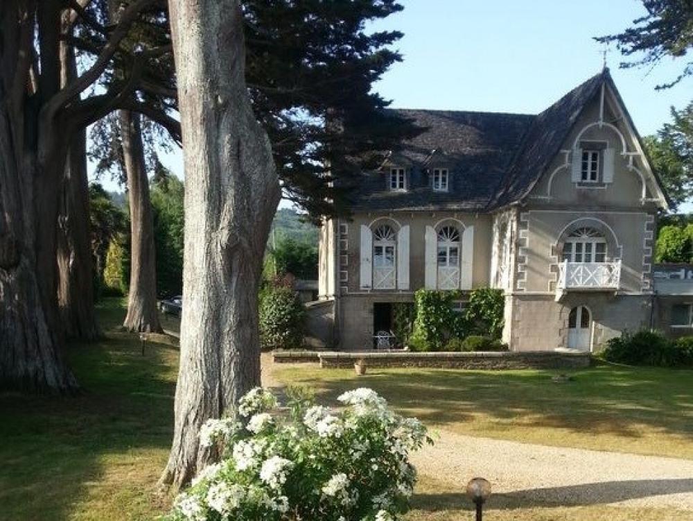 BRETAGNE - COTE D'ARMOR - Grande maison bourgeoise avec un accès direct plage