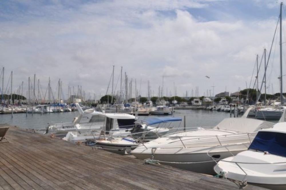 Les marinas port nautile