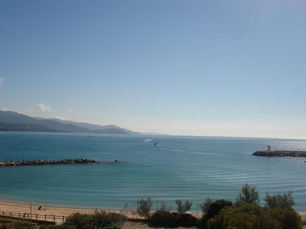 Vue s/la Méditerranée de l'Appartement