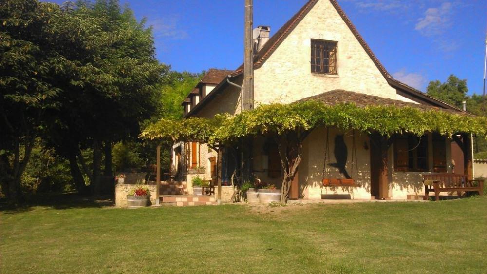L'Espérit, maison périgourdine avec piscine dans Périgord Pourpre pour 12 pers