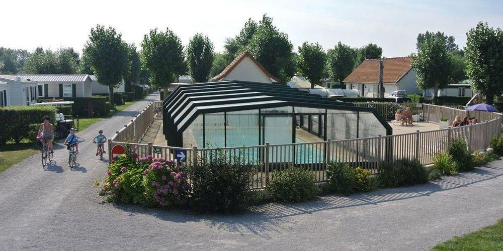 Flower Camping Les Vertes Feuilles, 46 emplacements, 24 locatifs