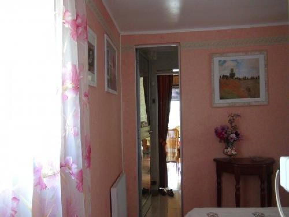 Un autre angle de la chambre