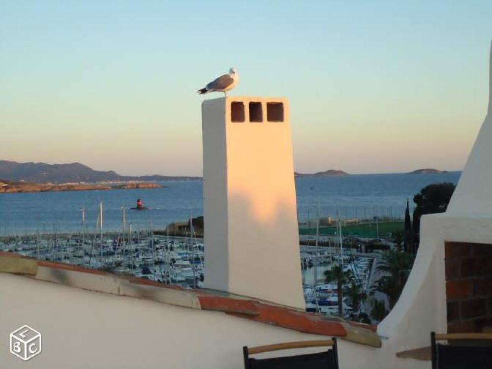 T2 Neuf et lumineux - Terrasse vue port et plage