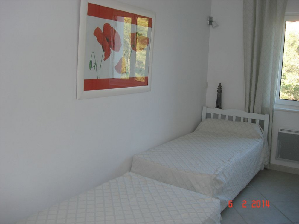 chambre 2 lits de 90 x 190cm