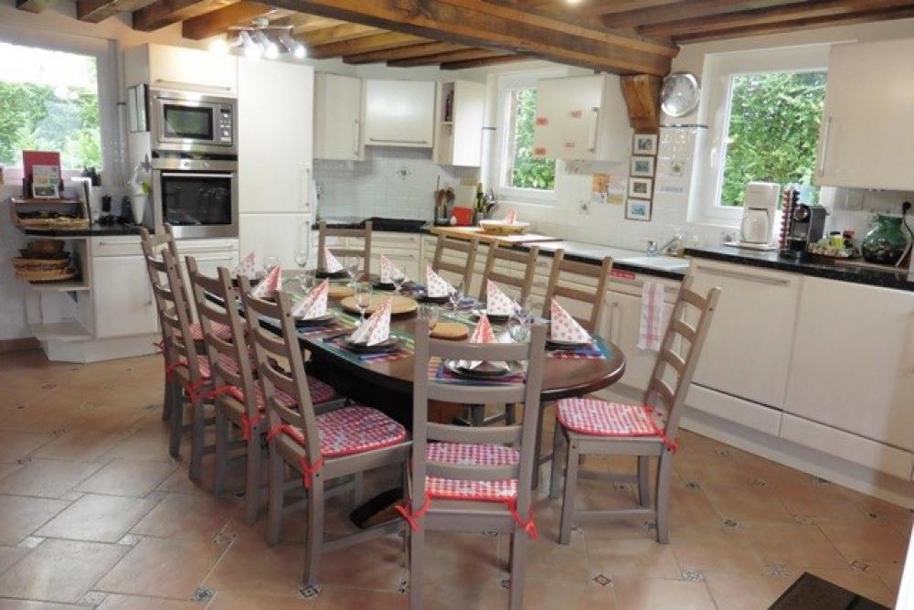 Cuisine et table 10 couverts
