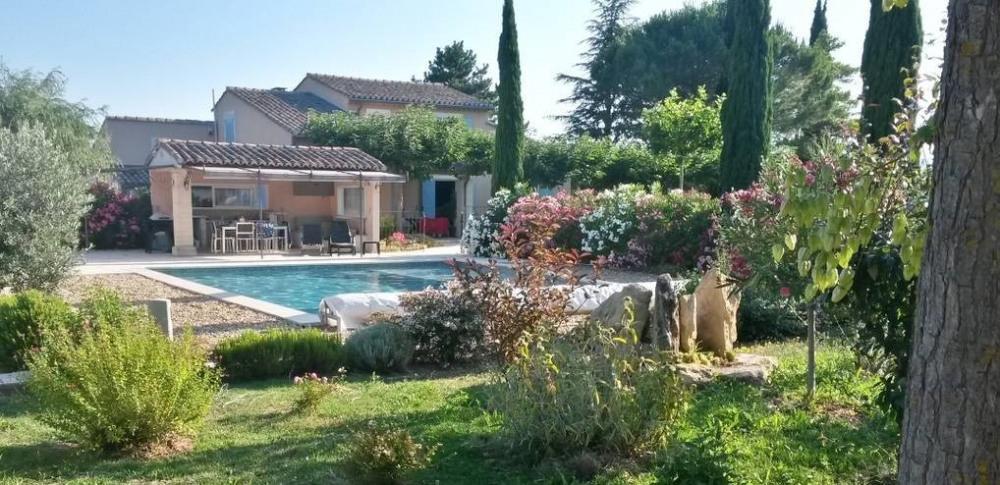 Villa à la campagne avec piscine proche Luberon - 8 pers