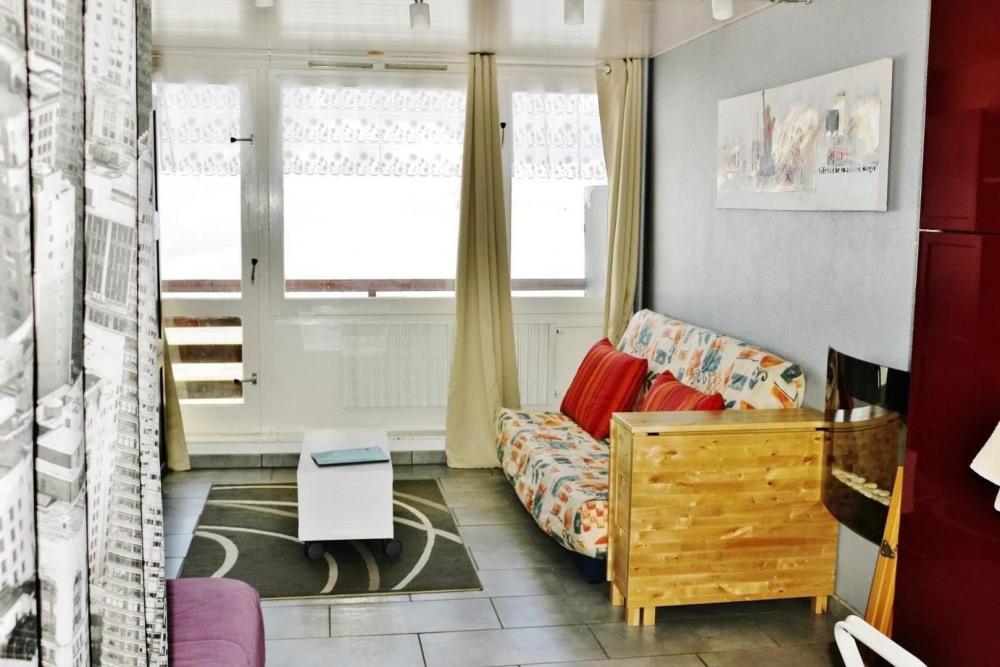 """Studio """"pied de pistes"""", avec balcon, cellier et l'indispensable place de parking privative """"La Mongie-Tourmalet""""."""