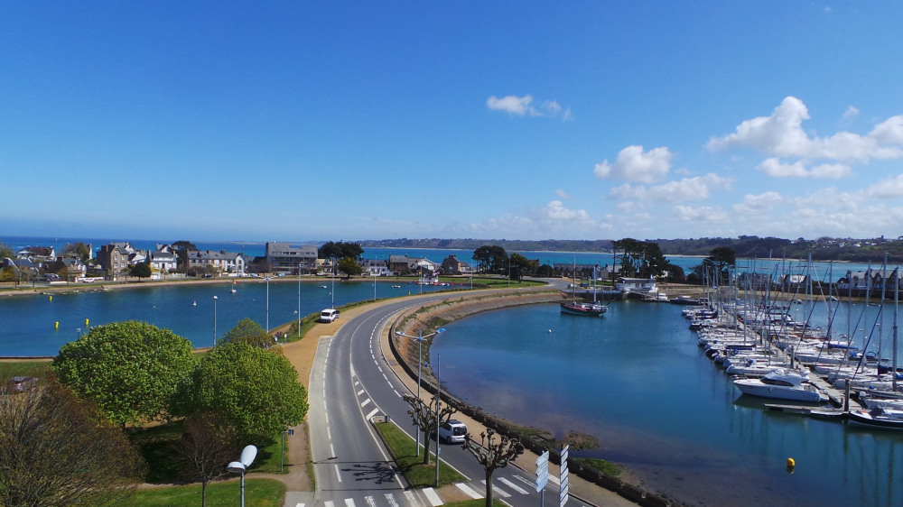 Holiday rentals Perros-Guirec - Apartment - 5 persons - Television - Photo N° 1