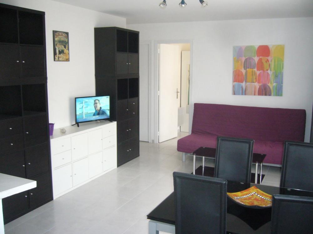 Appartement climatisé à 50 mètres de la plage.