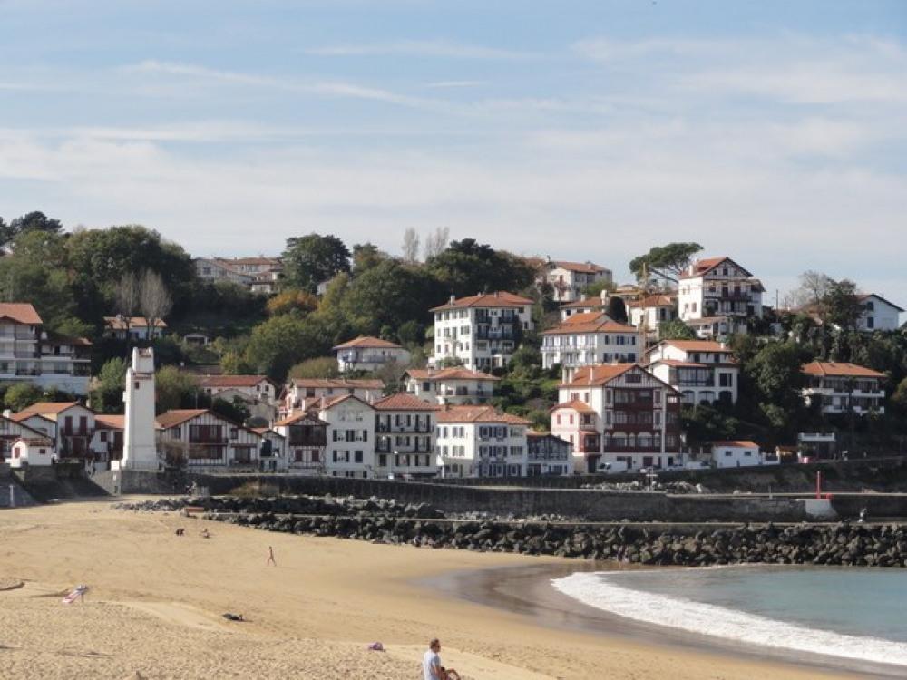 Ciboure, le phare et la plage de Saint Jean de Luz