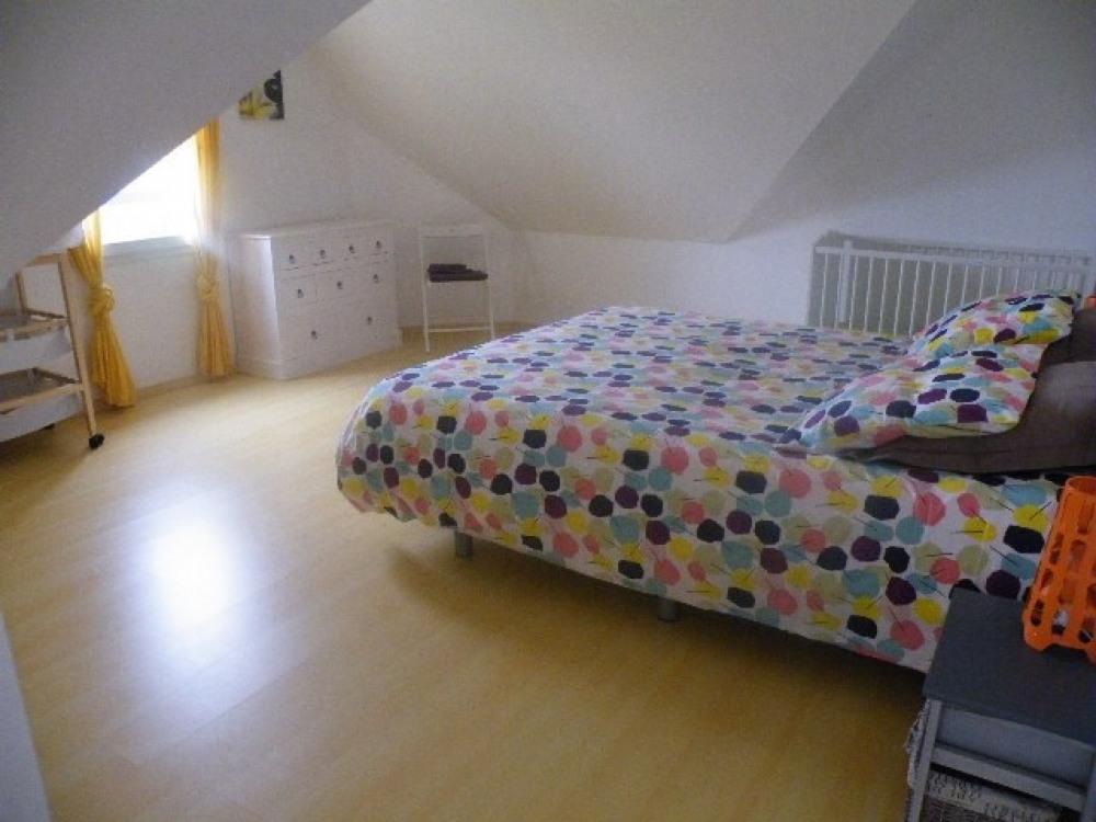 chambre 3 avec lit bébé étage