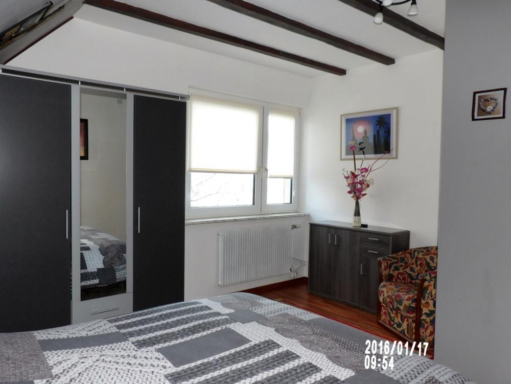 chambre à coucher 1 avec lit 2 personnes