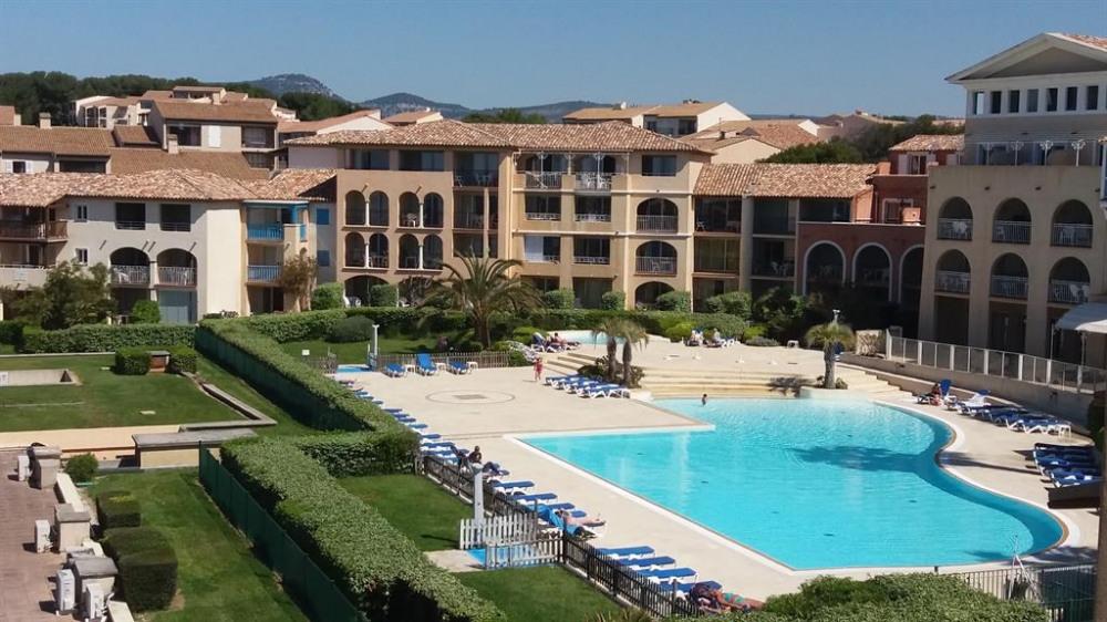 Appartement de vacances six fours les plages en - Residence vacances var avec piscine ...