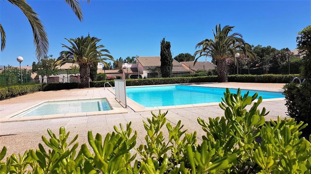 piscine dans résidence