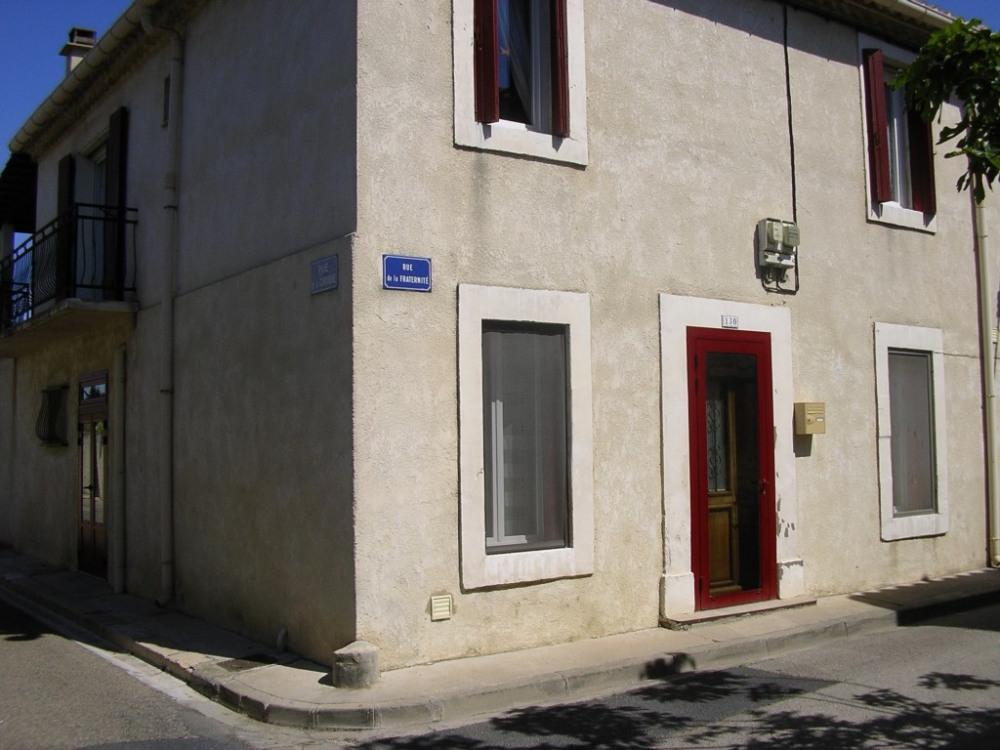 MAISON côté rue (Chambre et Salon)