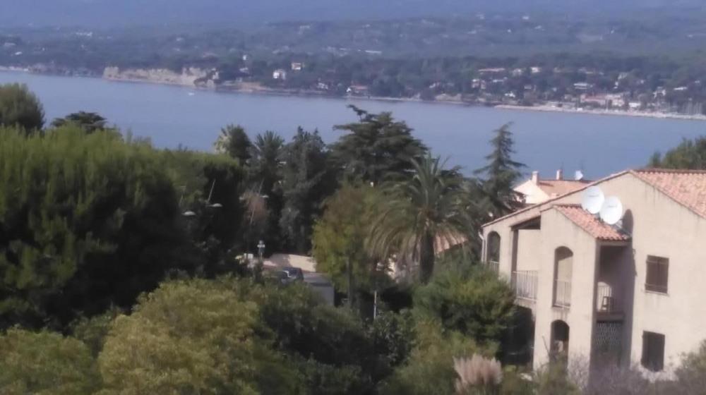 Appartement 6 pers vue sur mer avec place  de parking privée