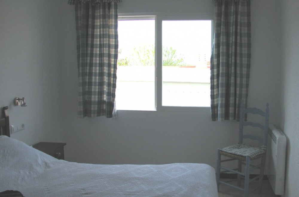 chambre principale grand lit pour 2 personnes