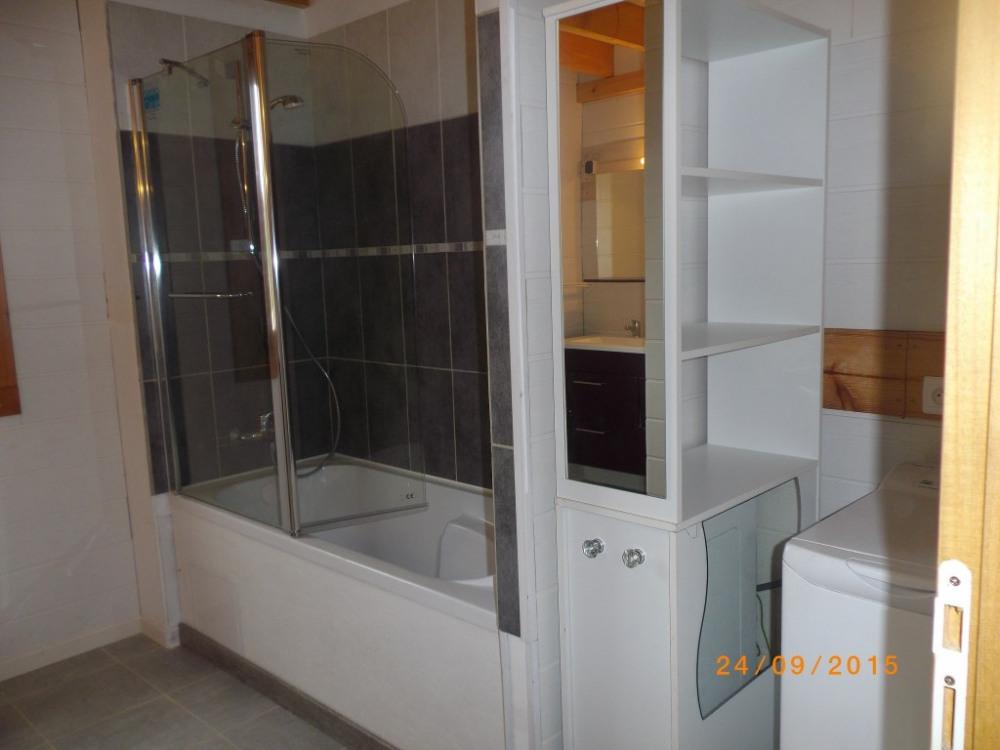 Salle de bain R de C