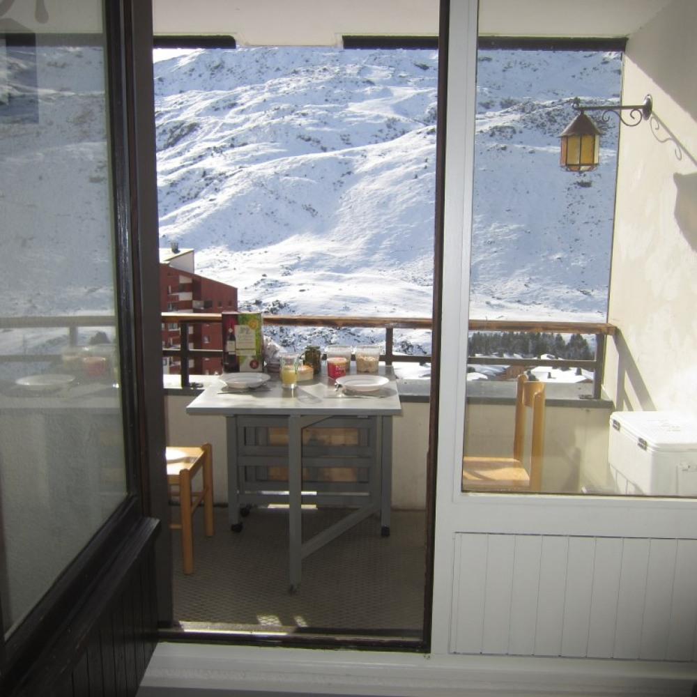 Les Ménuires, studio 4 personnes, skis aux pieds
