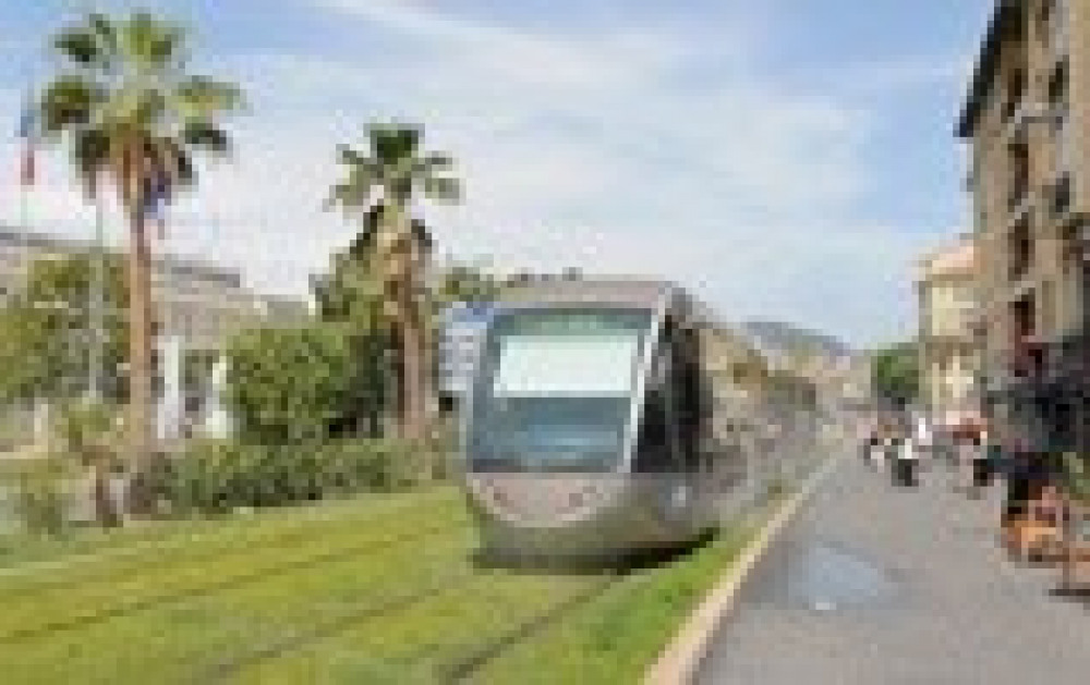 tramway proche appartement