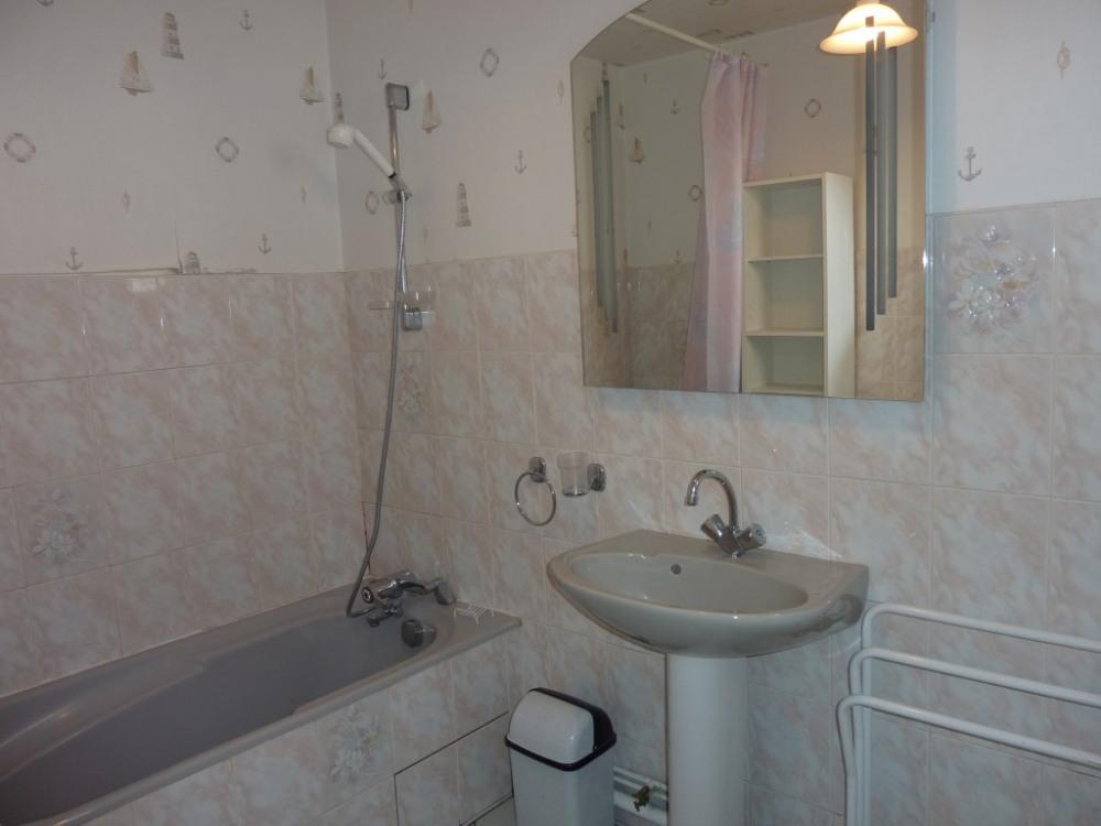 salle de bains grand appartement