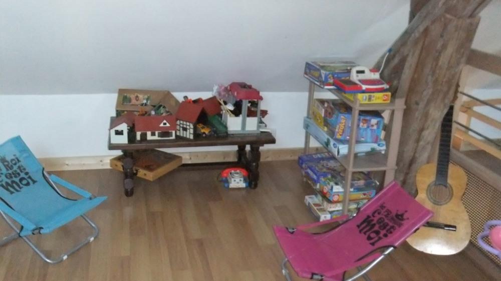 chambre n5 avec petit coin jeux pour enfants
